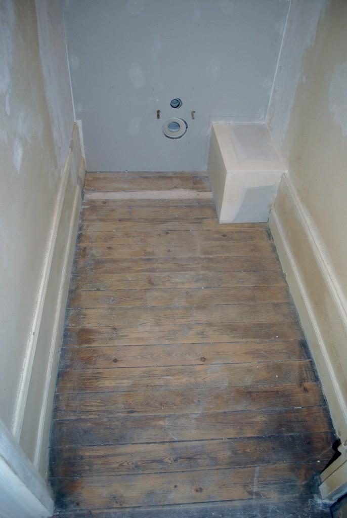 6- toilettes_parquet