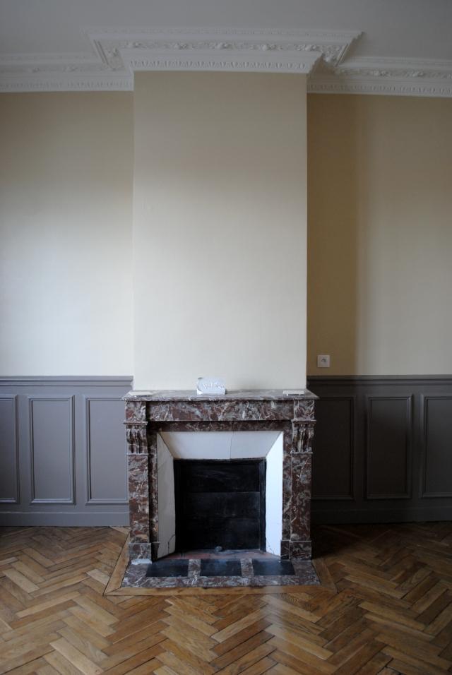 petit salon cheminée marbre
