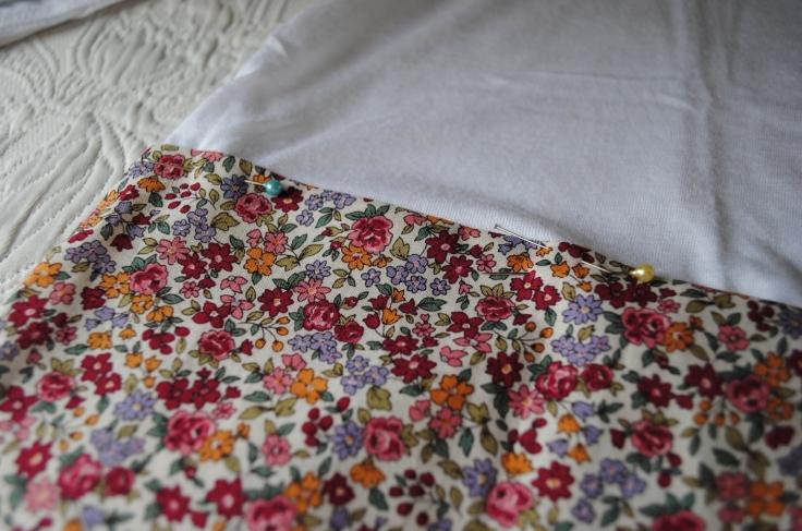 DIY T-shirt Froufrou - epingler et coudre