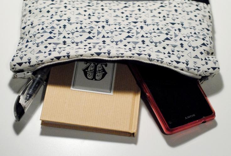 DIY - Couture Pochette Bleue Zippée 08