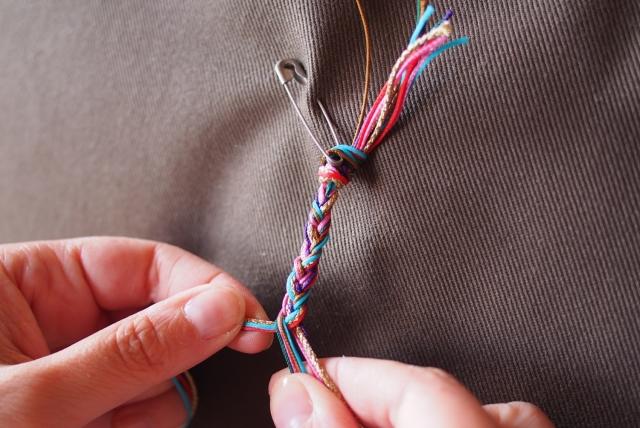 DIY Bracelet pompons 01
