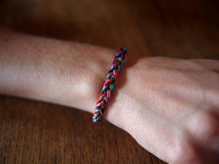 DIY Bracelet pompons 06
