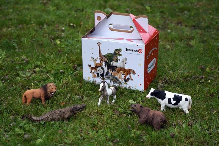 Organiser anniversaire 2 ans - figurine Shleich box anniversaire 03