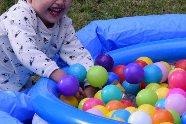 Organiser anniversaire 2 ans - piscine a balles 02