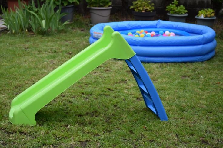 Organiser anniversaire 2 ans - toboggan piscine a balles