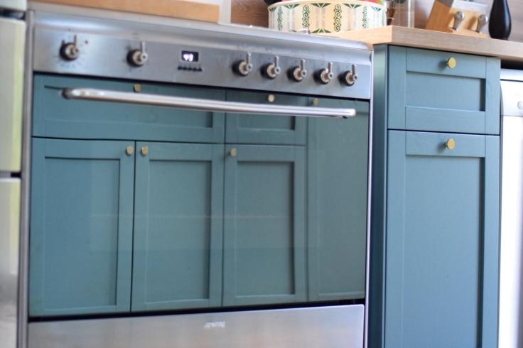 Renovation cuisine ancienne meuble ikea plum kitchen bleu paon four piano smeg